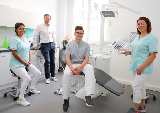 smile24 - Zahnarztpraxis Dr. Denis Paksoy Praxisteam